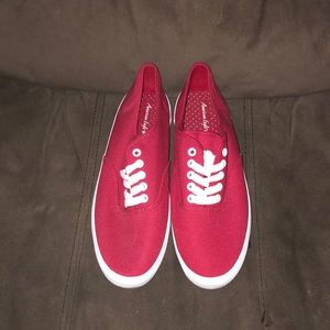 American Eagle sneakers. Size 7. Never worn